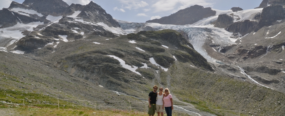 Time to reactivate the blog after six months absence! To long time ago since my last post. Hey, it's (still) summertime now. So here some warm pics from the Alps. On a hike with my mom and girlfriend to the Wiesbadner Hütte at 2440m on the foot of the Ochsentaler […]